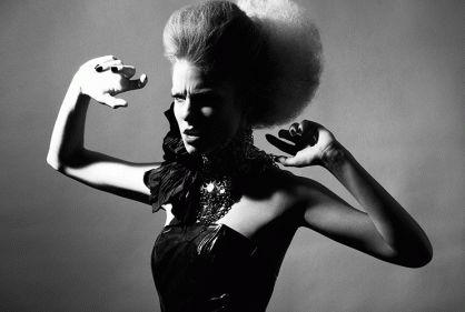 In Biblond mag Hair: Céline Antunes  Photo: Eric Ouaknine design & style: Laura de Villebonne Make-up: Christelle Minbourg Coiffures Celine Antunes Models: Camille Sergentet & Lea Joyce