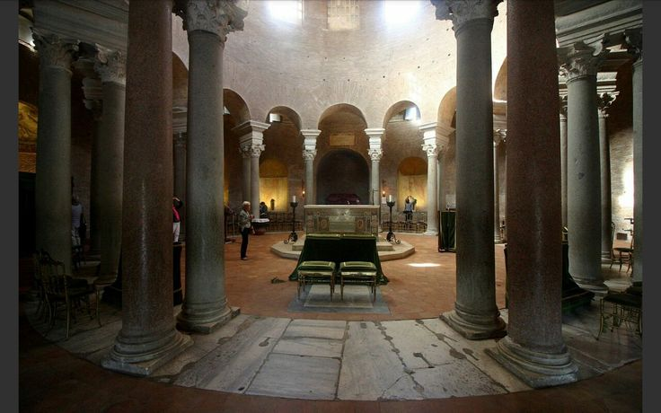 Interno del Mausoleo di S. Costanza, fu fatto costruire tra il 340 e il 345, Roma.