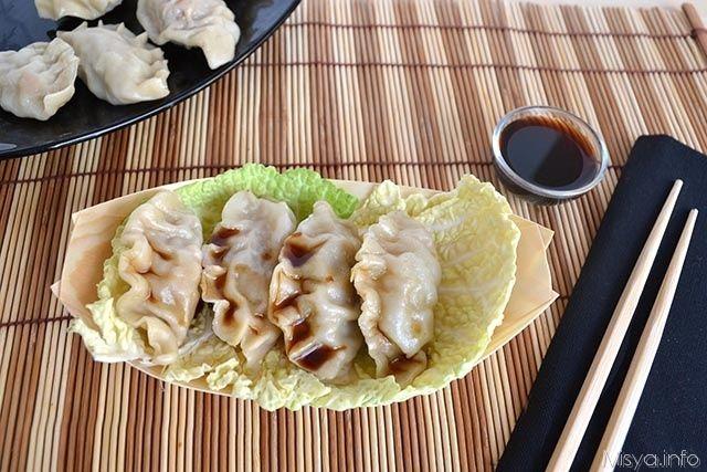 Ravioli al vapore, scopri la ricetta: http://www.misya.info/ricetta/ravioli-al-vapore.htm