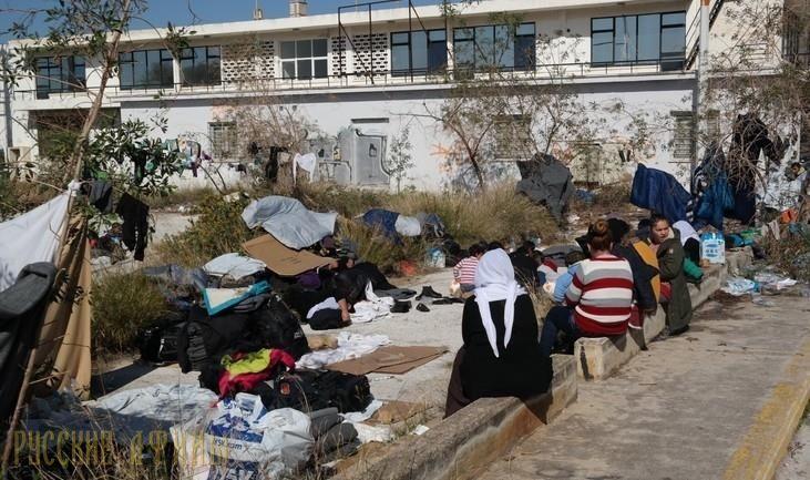 Беженцев выселяют из Эллинико http://feedproxy.google.com/~r/russianathens/~3/GvdD86bwJ9A/21377-bezhentsev-vyselyayut-iz-elliniko.html  К концу недели Департамент миграционной политики обещает, что все беженцы, находящиеся в зданиях старого аэропорта Эллинико, покинут его территорию.
