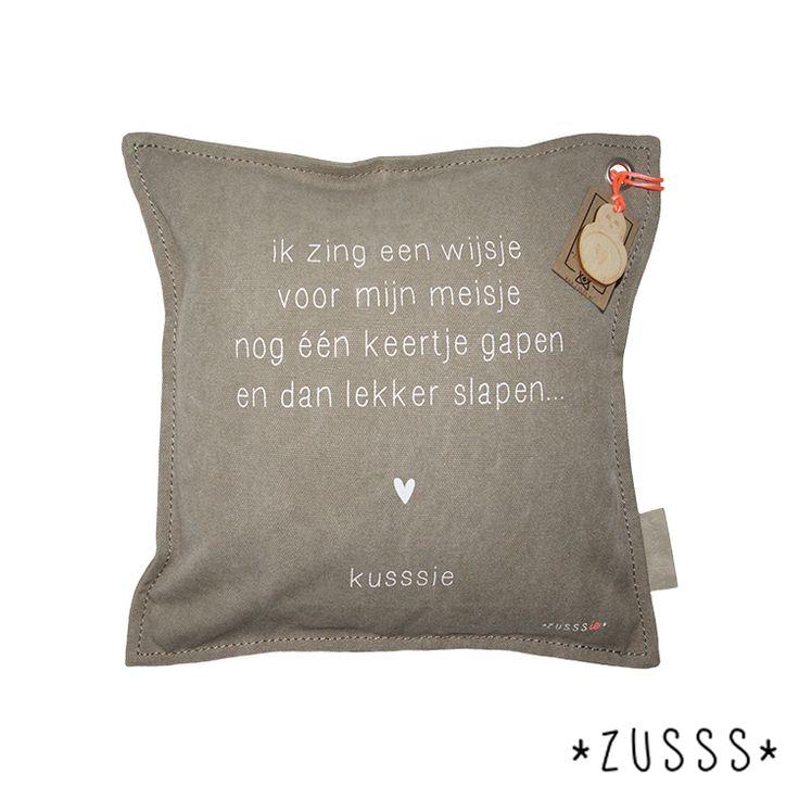 Zusssie l Kussen gedichtje ik zing een wijsje l http://www.zusss.nl/product/kussen-gedichtje-zusssie-ik-zing-zand/