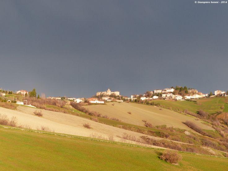 Montappone - The sunshine at the international village of hats after a dark storm: landscape ... !! Raggi di sole dopo una tempesta sul paesaggio di Montappone ! #HatsDistrict