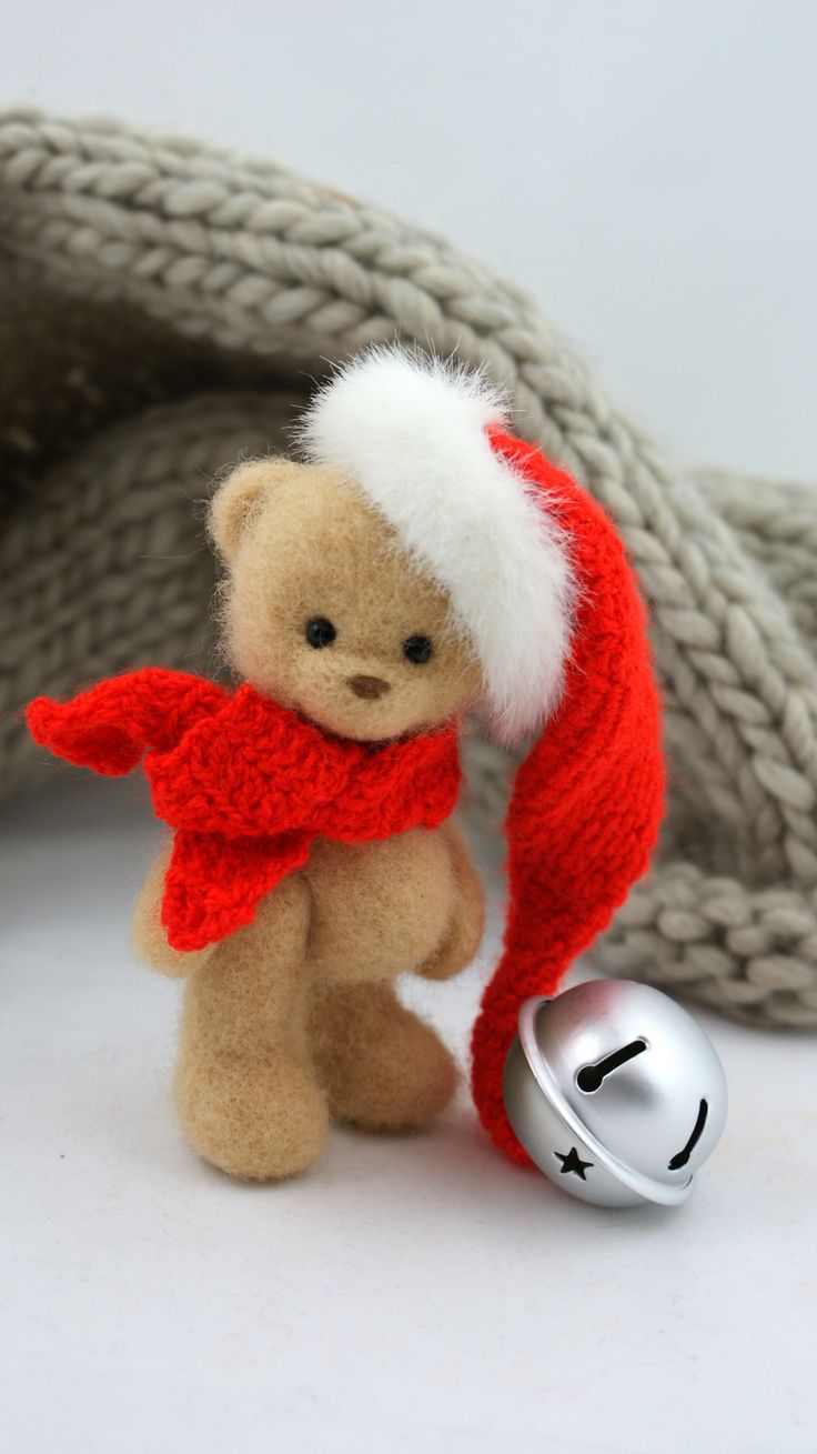 Christmas felted bear don't have words!