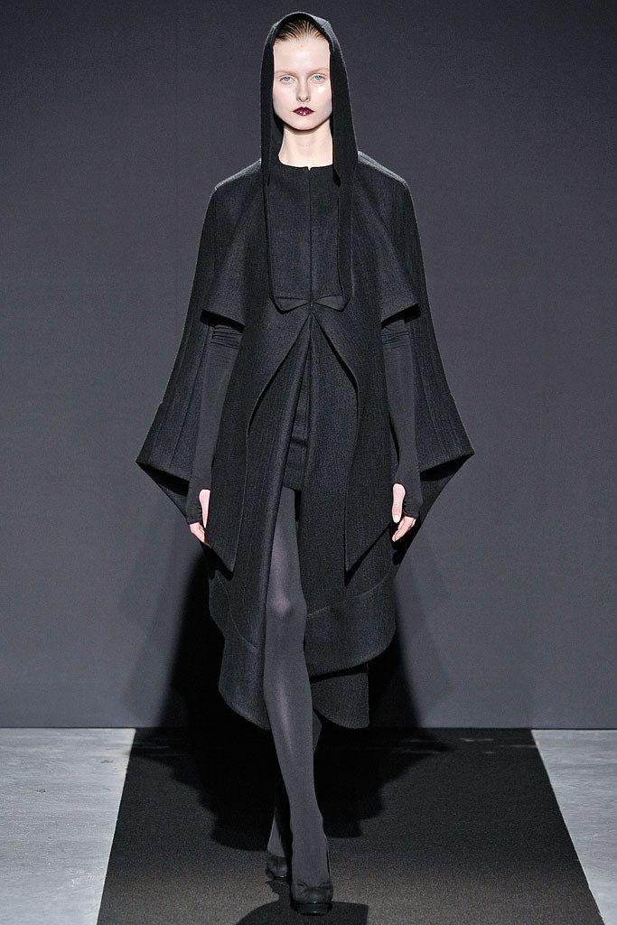 Bruno Pieters Fall 2009 Ready-to-Wear Fashion Show - Kamila Filipcikova