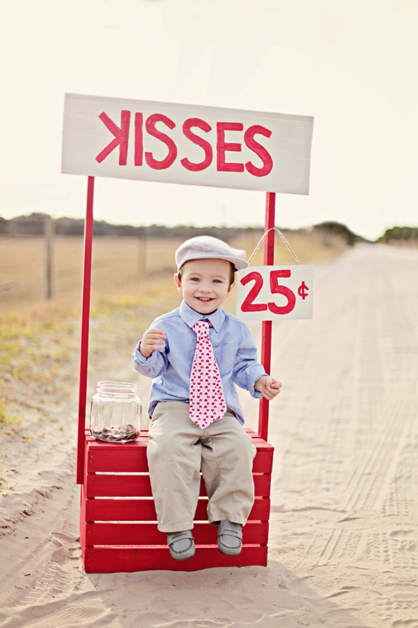 This would be cute with Elijah and each sister kissing his cheeks! And him kissing baby Sophia!!