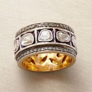 For all you cupids out there, here's a gorgeous ring for your Valentine