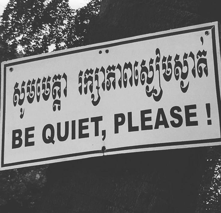 En los campos de la muerte se hace silencio en honor a las miles de víctimas del Khemer Rojo que durante 1975 - 1979 provocaron el genocidio más duro y triste de la historia de Cambodia.