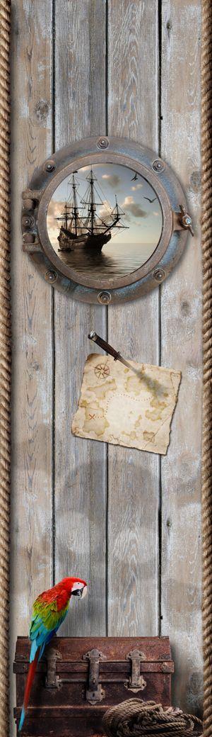 Met deze stoere piraten muursticker maak je razendsnel een nieuwe piratenkamer. De papegaai, het piratenschip, de schatkaart en natuurlijk...een geheimzinnige schatkist...alles is aanwezig op deze sticker muurdecoratie. Dit is wat stoere jongens willen. Schip ahoy!