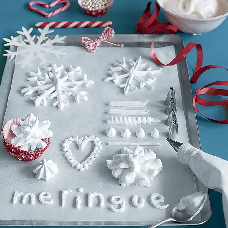 Meringue de Noël en forme de flocons de neige