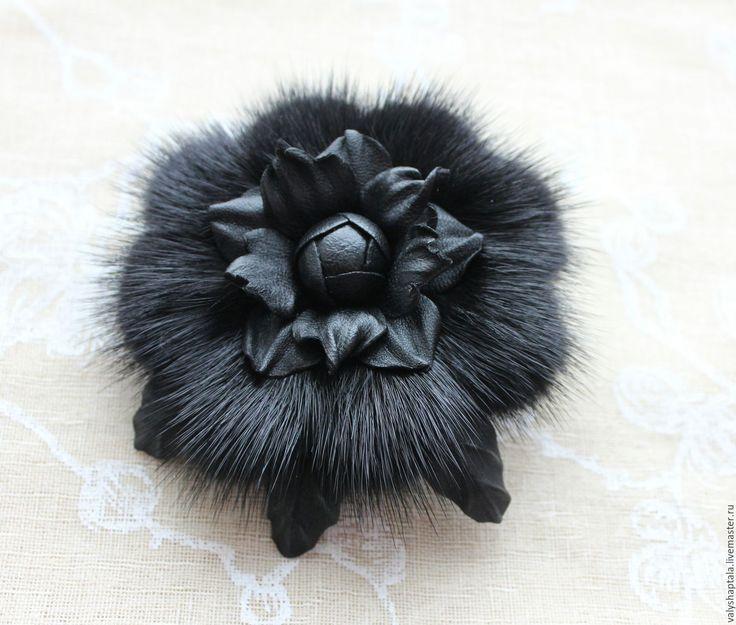 Купить Брошь из норочки и кожи - черный, брошь из меха, меховая брошь, брошь на шарф