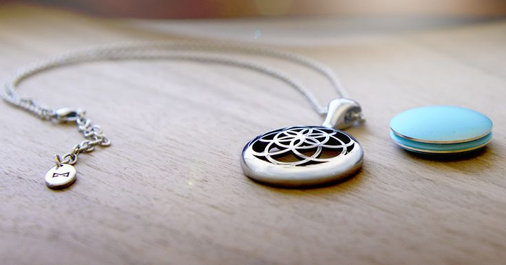 Bloom Necklace for Misfit Shine Activity Tracker