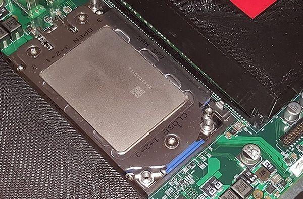 Смарт-часы ZeblazeTHOR получили AMOLED-дисплей четырёхъядерный чип 1 Гбайт ОЗУ и спортивный дизайн