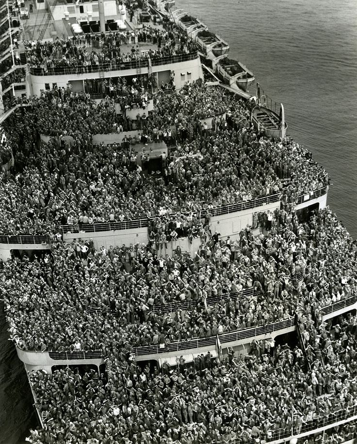 Crowded ship bringing American troops back to New York harbor after V-E Day, 5/8/1945