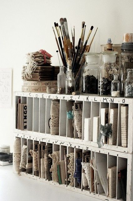 I like to have my art area organize like this.