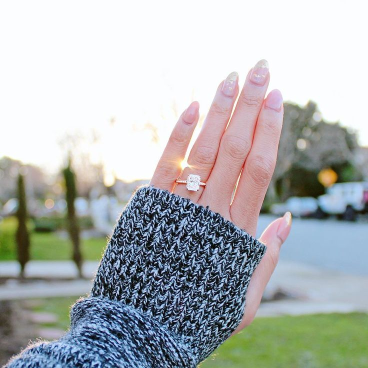 We help you nail this whole engagement thing with independent + unaffiliated guidance on your search for the perfect engagement ring #takeflight
