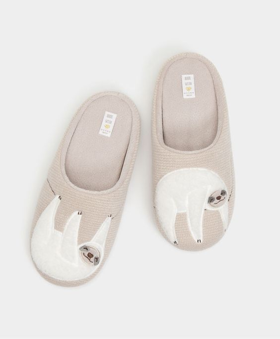 Sloth slippers - View All - FOOTWEAR | Oysho
