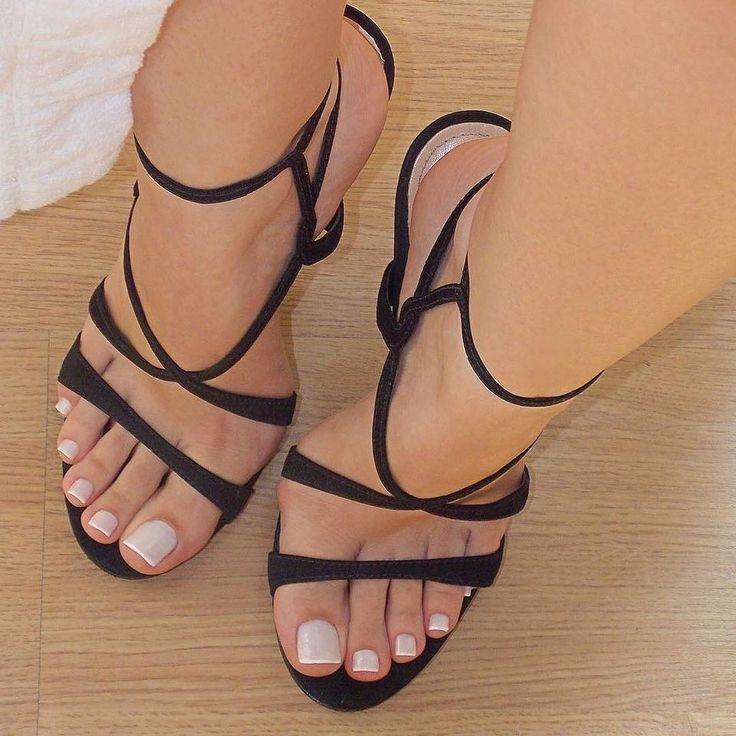 Pin On Sexy Ass Feet
