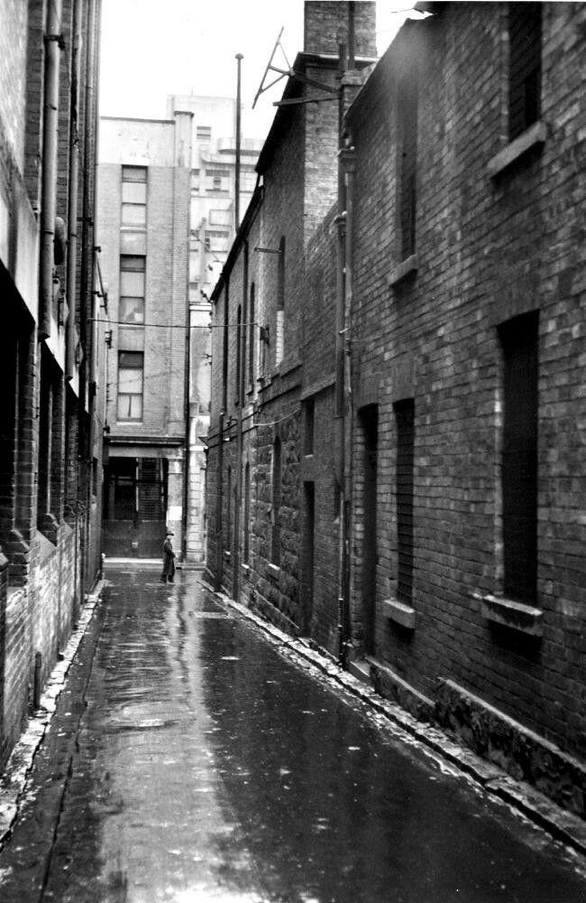 Tattersalls Lane,Melbourne off Bourke St in 1951.