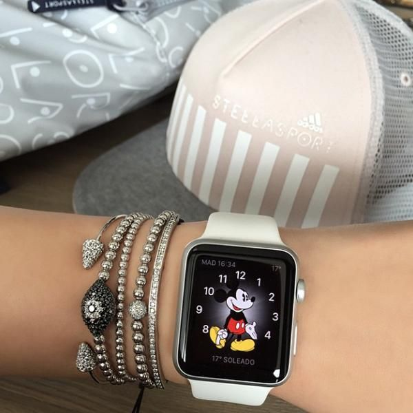 Fashion Insiders and Celebrities With the Apple Watch - Instagram personality Ella Mois wearing the Mickey Mouse Apple watch