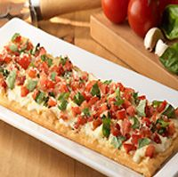 Olive Garden Caprese Flatbread. going to have an olive garden night. and payless lol