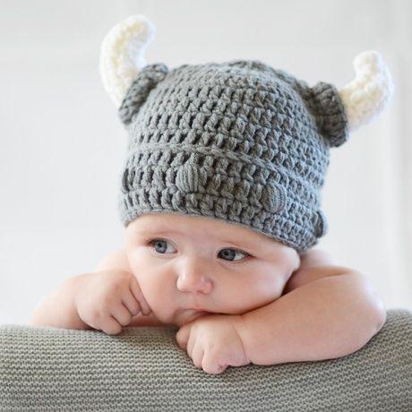 Gorro crochet casco vikingo para bebé Divertido disfraz de punto de vikingo fcbe9bc23a89