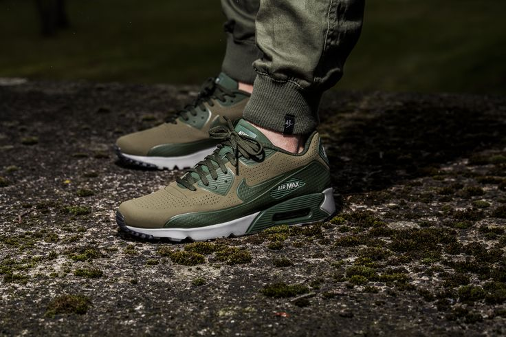 The Nike Air Max 90 Ultra Moire is available at our shop now! EU 42 - 47,5   150,-€