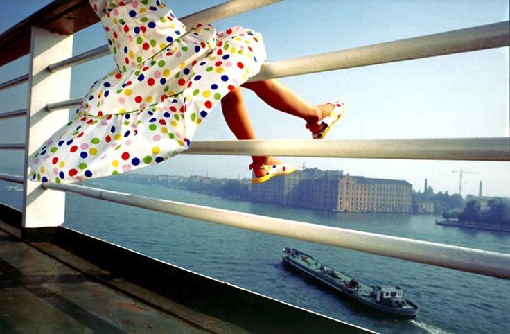 """«Scritto in maniera delicata e senza mai scadere nella caricatura, l'autrice riesce a dar voce e a far parlare il mondo di una bambina che si avvicina all'adolescenza con i suoi carichi di sofferenze e di conquiste.»  Su «La Stampa Toscana» Sebastiana Gangemi racconta """"La petite"""" di Michèle Halberstadt.   Qui il link: http://www.stamptoscana.it/articolo/cultura/venerdilibri-la-petite-di-michele-halberstadt    [Foto di Mauro Negro]"""