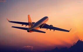 J'irais en avion avec mon père pour son anniversaire.