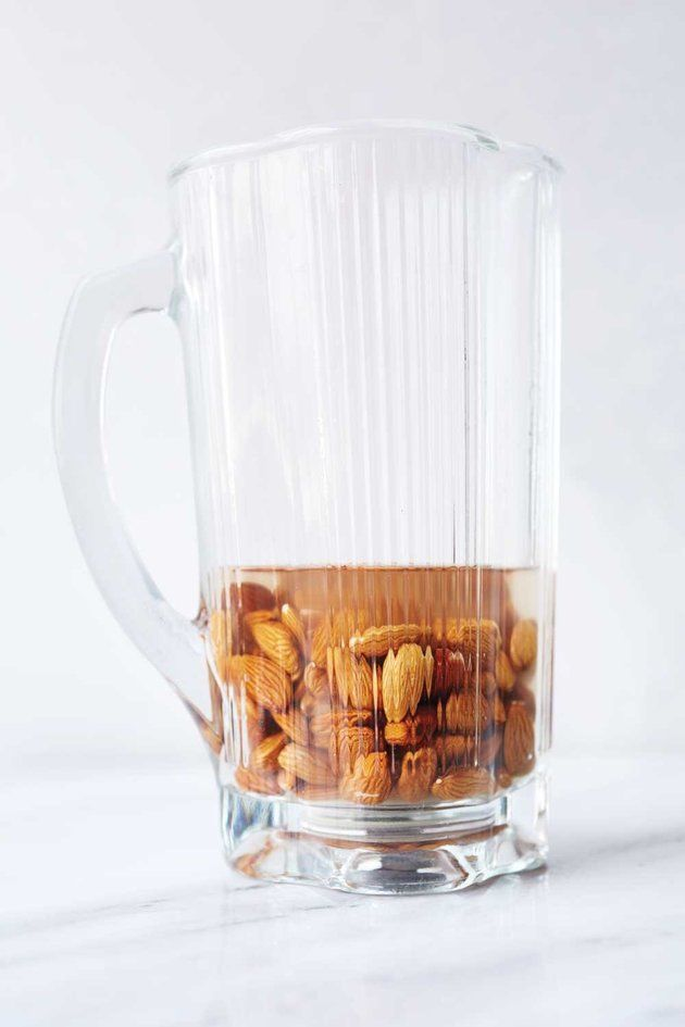 How To Make Your Own Almond Milk, Because It's Ridiculously Easy