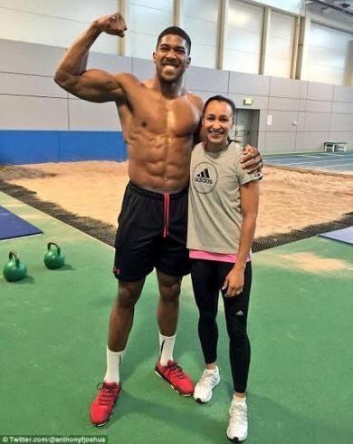 Anthony Joshua poses with Olympic champion Jessica Ennis-Hill during training session (photo)