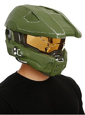 Get geared up to battle with this Master Chief helmet from <i>Halo</i>.