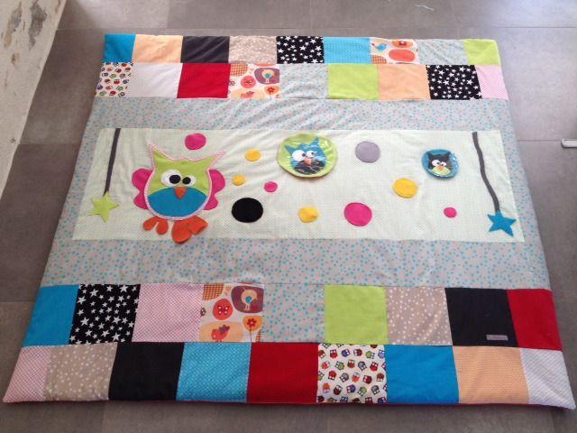 les 203 meilleures images propos de cr a enfants tapis veil cubes sur pinterest. Black Bedroom Furniture Sets. Home Design Ideas
