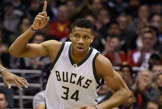 Αuto  Planet Stars: NBA: νίκη επί του Χιούστον με σούπερ Αντετοκούνμπο...