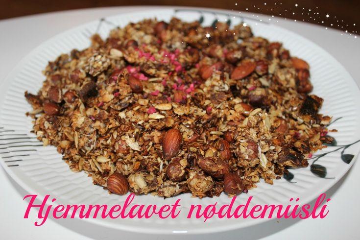 Mayadroem ~ Hjemmelavet Nøddemüsli (Granola)