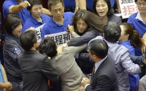 Taiwanese Lawmakers at each others throats during Budget Review | WATCH