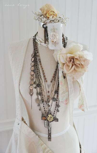 gorgeousVintage Shabby Chic Necklaces, Mannequin Display, Mannequin Decor, Aka Dressform, Jewelry Display, Dresses Form Display, Dressform Mannequin, Vintage Necklaces, Vintage Decor