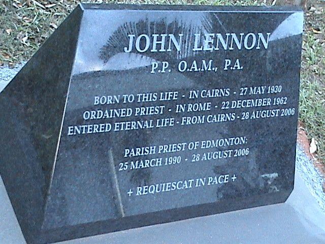 His Grave Famous Tombstones Famous Graves Remeber