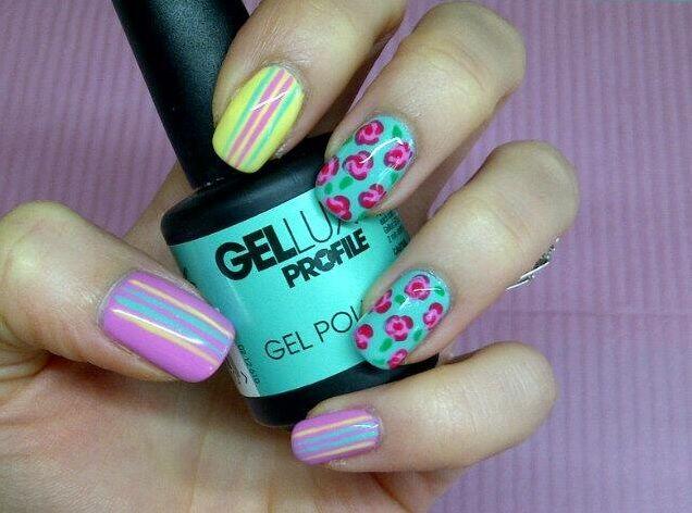 Floral & Striped Nails #gellux #jadesagem #berrysmoothie
