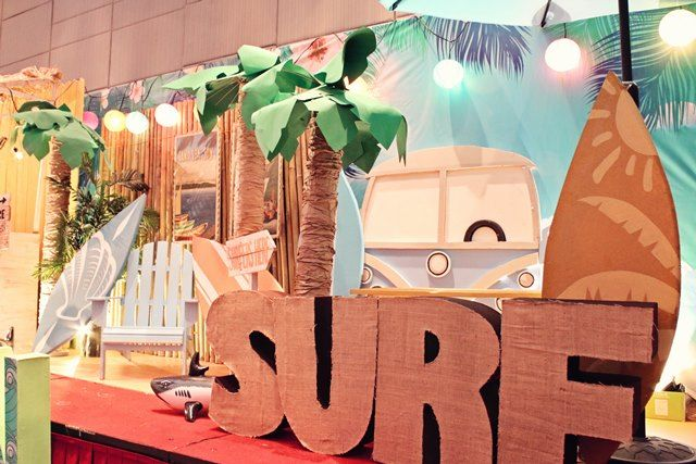 Ethan's Surf Shack Themed Party – Stage Setup