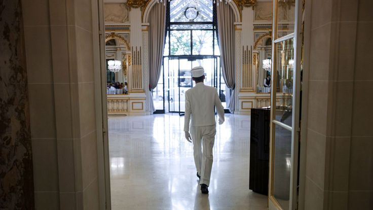 How to stay in luxury hotel rooms all over the world for less — Quartz