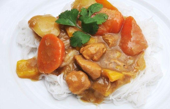 Pasta con pollo al curry
