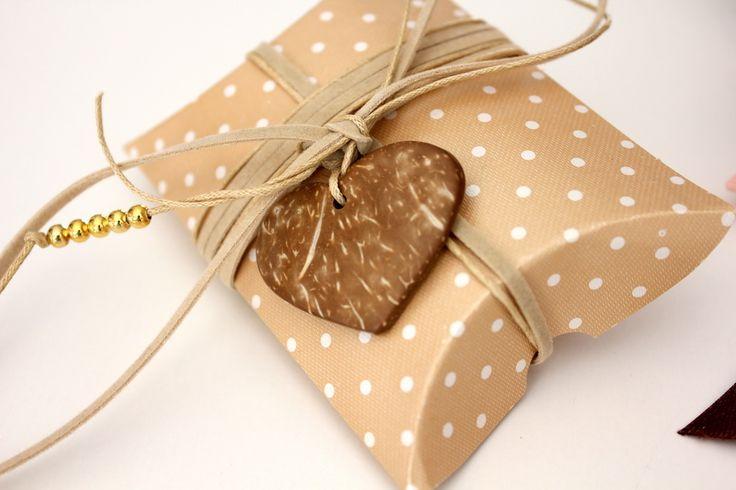 Κουτί με καρδιά απο φυσική καρύδα