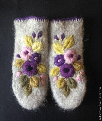 Варежки с вышивкой Осенние цветы - варежки,варежки с вышивкой,варежки с цветами