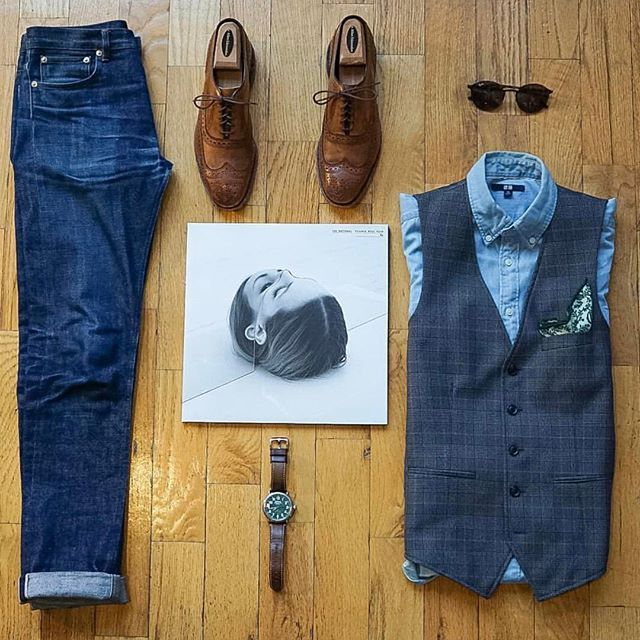 Follow @inisikpe for daily style #suitgrid to be featured ________________________________________ #SuitGrid by @williamrussellnyc ________________________________________ Tap 👉🏼📱For Brands #inisikpe Vest: @topman Shirt: @uniqlousa Pocket Square: @jcrew Denim: @apc_paris Shoes: @allenedmonds Watch: @shinola Glasses: @rayban