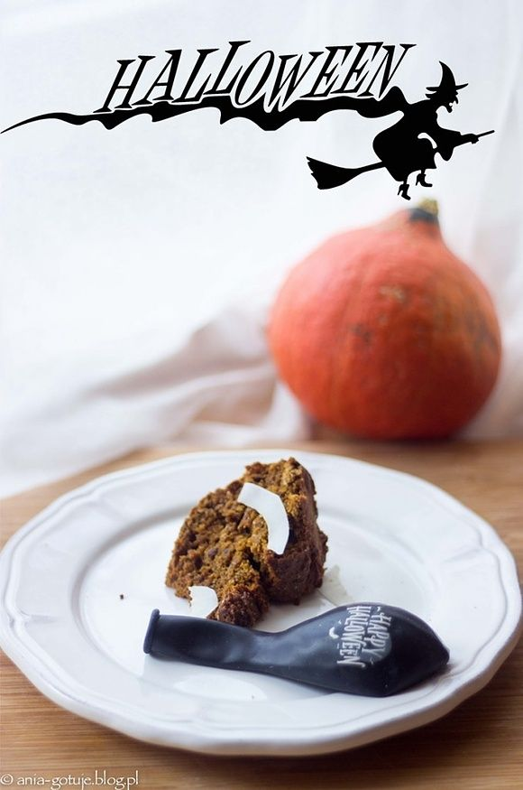 Wegańskie ciasto z dyni na Halloween