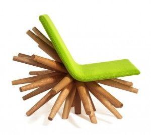 Cadeira de vários pés.