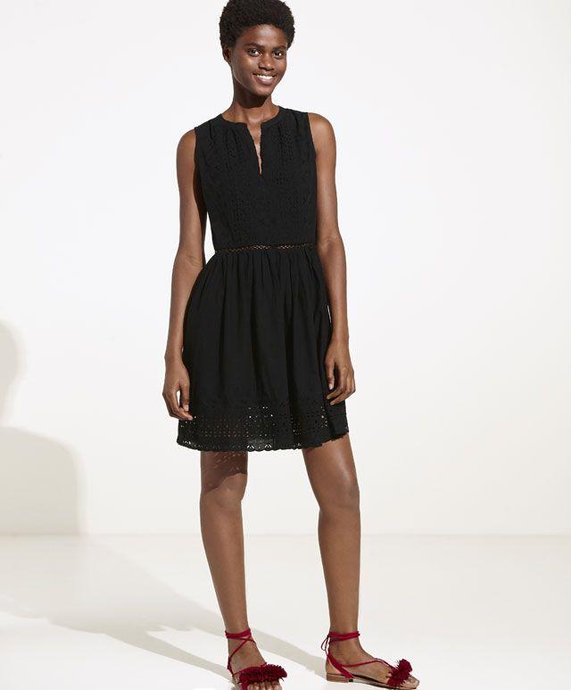 Vestido corto con bordados, 35.99€ - Vestido corto con bordados. Escote en pico. Transparencias en la cintura. - Encuentra más tendencias primavera verano 2017 en Oysho.