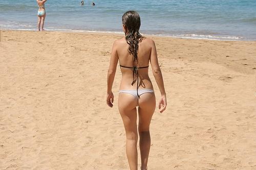 Free female naked butt