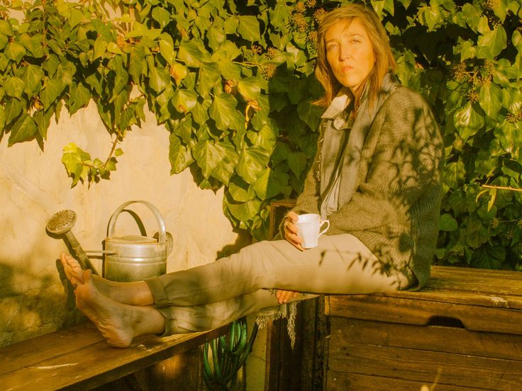 Disfrutando del sol de invierno con mi lookiero. Tejidos naturales para ir calentitos y con estilo. Me encanto.