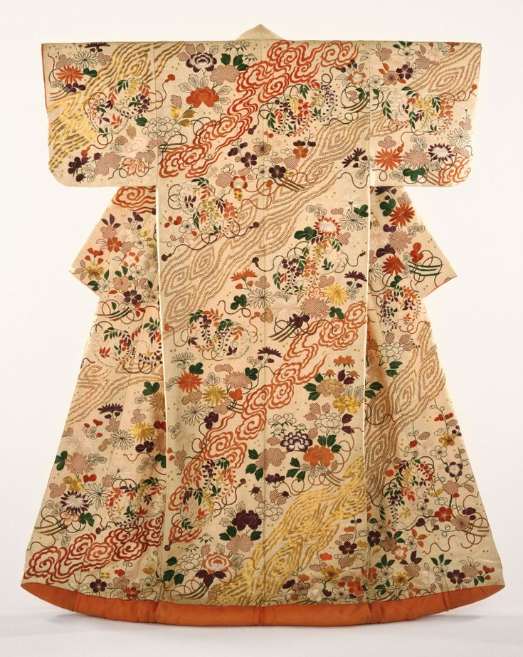 Women's kimono from the late 19th century, Japan. Philadelphia Museum of Art
